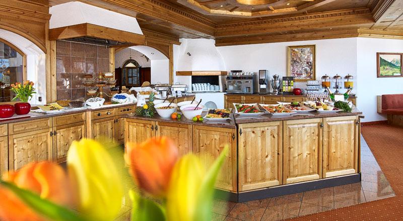 Frühstücksbuffet Hotel Linserhof Imst Tirol